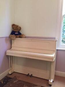 INCREDIBLE & FREE : Fantastic , Fun , Stand Up Family Piano ! Pymble Ku-ring-gai Area Preview