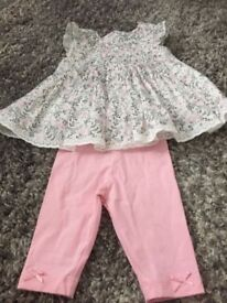 Baby girls outfits 0-3 months