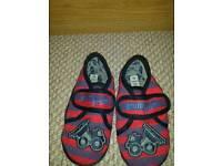 Boys Next Slippers Size 11