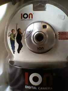 ion digital camera SEALED cool round shape