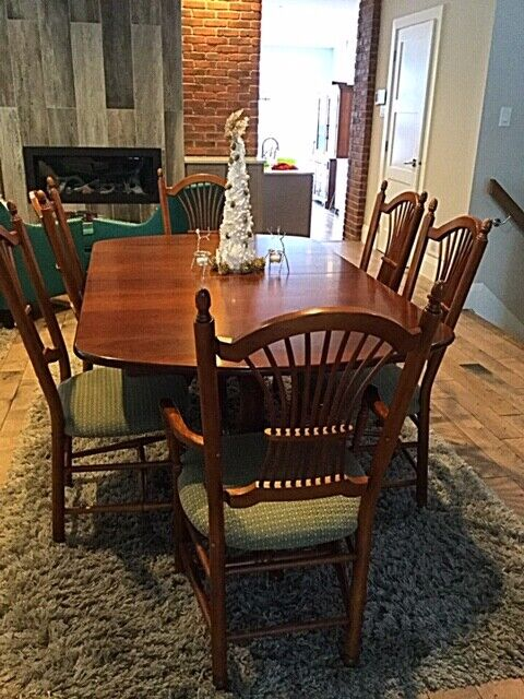 Solid Maple Dining Table Buffet And Hutch W 10 Chairs Dining