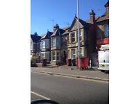 NOW LET!! Large 1 bed or poss 2 bed flat on Oxford Road To rent Now