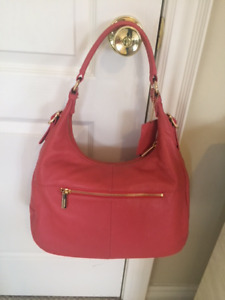 **Danier Leather Hobo Handbag in Salmon and Gold**