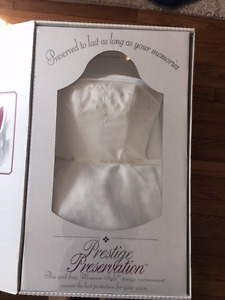 Womens size 10 wedding dress for sale