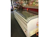 Comercial chest display freezer
