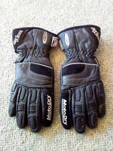 New MotoDry Womens Motorcycle Gloves size Small Aldavilla Kempsey Area Preview