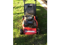 HOMELITE HL454HP PETROL HAND PROPELLED LAWNMOWER WITH GRASS BOX.