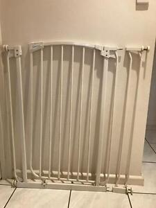 Baby/Pet safety gate Gunn Palmerston Area Preview