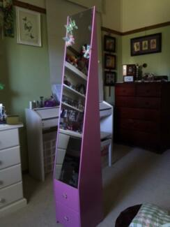 Pink standing mirror with 2 drawers