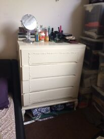 White wooden chest of drawers – 4 deep drawers
