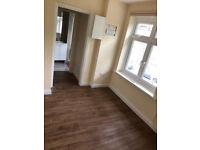 1 bedroom flat W5 - Students and DSS WELCOME!