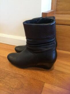 Black Leather Upper Wedge Boots Size 7 Illawong Sutherland Area Preview