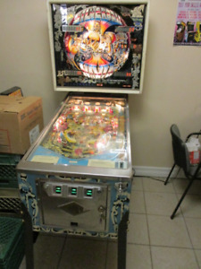 Pinball Machine - Bally Silverball Mania