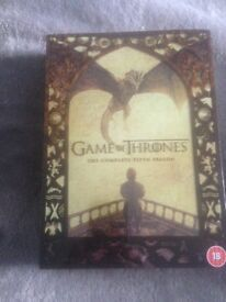 GAME OF THRONES SEASON 4 AND 5 (as new)