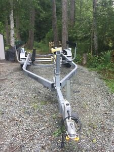 BOAT TRAILER $8200.00 O.B.O  WILL HAUL 30 FT BOAT