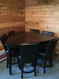 Ashley Emory Triangle Table & Chairs