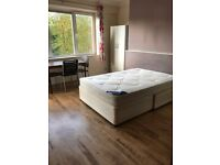 Three double bed apartment in well maintained purpose built building