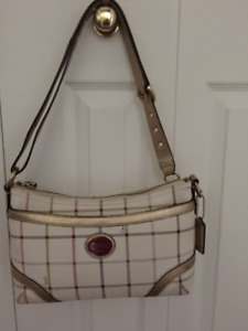 Authentic Coach Crossbody/Shoulder
