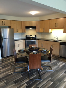 3 bedroom  Executive Semi in Eastend guelph $1995 plus
