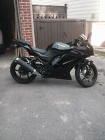 2011 kawasaki ninja for sale!