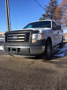 2011 Ford F150 Pick up V6 Automatic Long Box with fibreglass cap