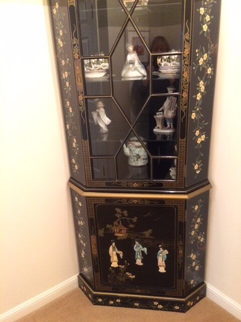Oriental corner cabinet with light in high gloss finish | in East ...