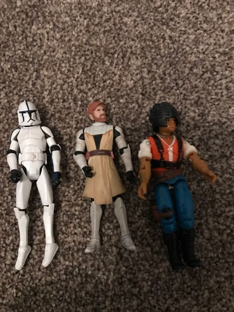 3 star wars figures