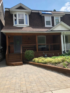 Executive House Rental in Leslieville