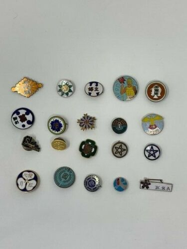 20 Random Japanese Pin Badge Medal Investor Lot Japan Reseller Collector