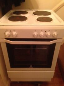 Indesit Eelectric Cooker - Excellent Condition