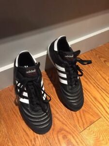 Adidas Mundial Team men's turf shoes 9.5US