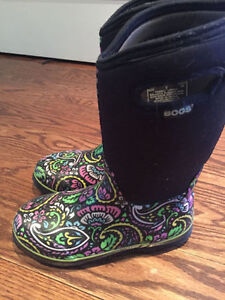Bogs Sz 6 Like New Shipping is available