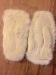 Vintage rabbit fur mittens West Island Greater Montréal image 1