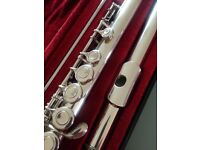 Flute - Yamaha 211s in excellent condition