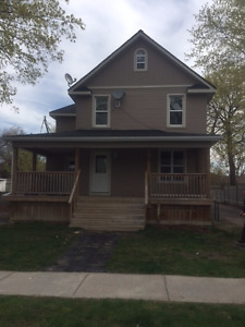 LARGE 3 BEDROOM HOME FOR RENT - TRENTON