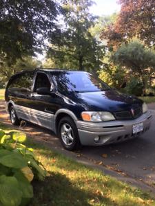 2001 Pontiac Montana Minivan, Van