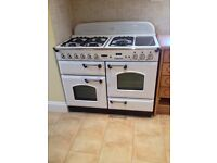 Leisure Classic 110 Oven. 5 Gas Hobs, hot plate, hot draw, 2 ovens and grill. This oven is as new.
