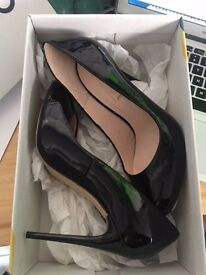 office black patent high heals shoes size 5 brand new bargain