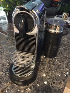 Nesspresso Coffee Maker with milk frother