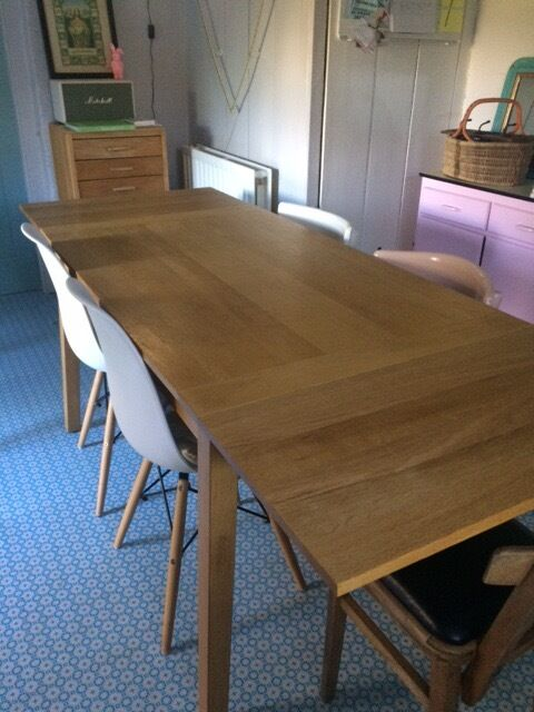 HABITAT EXTENDING OAK RUSKIN DINING TABLE