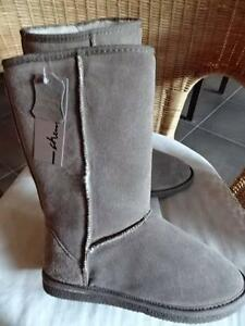 CHERRY LANE TAUPE SHEEPSKIN UGG BOOTS 30CM LONG LADIES SIZE 9 Beaumaris Bayside Area Preview