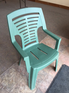 green resin stackable chairs