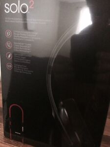 BRAND NEW - IN THE BOX BEATS BY DRE 2
