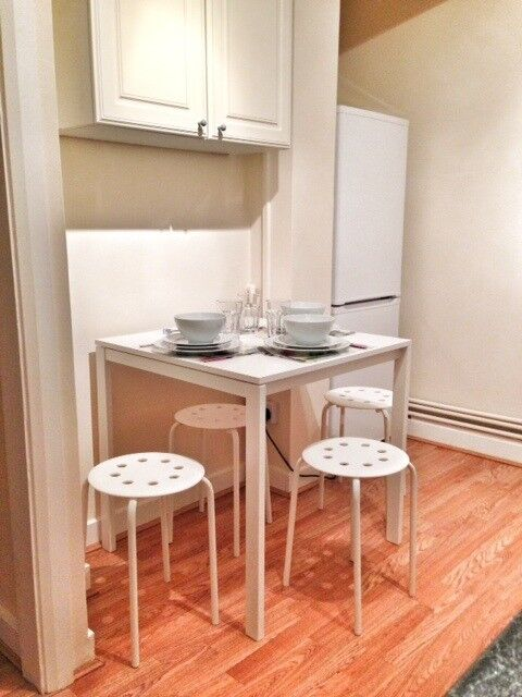 Very big,bright,double room to rent in a very clean(gay)Bermondsey flatshare.