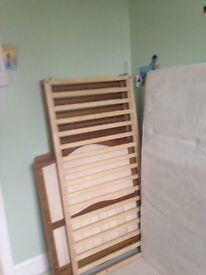 Mammas & Pappas cot/cotbed with mattress