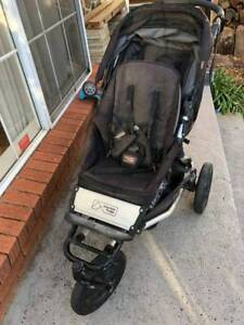 mountain buggy plus one stroller good condition with skateboard