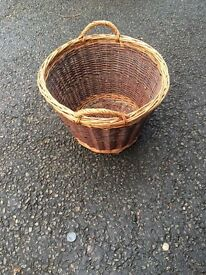 Medium size log basket
