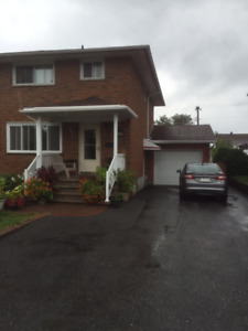 House to share/$575/Util/WiFi/Parking/No Lease/No Last/Oct Free$