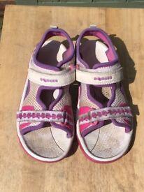 Clarks Girls Doodles Sandals Size 10.5