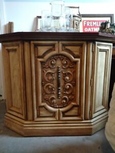 LOVELY HALL CABINET